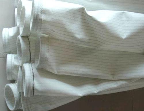 防靜電(dian)滌綸針刺氈(zhan)除塵布袋